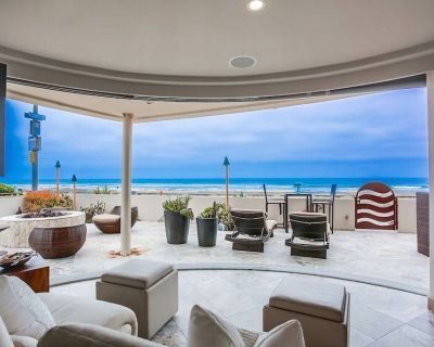 Ground Floor Oceanfront with Firepit, 2500SF Private Patio, AC, Parking! - Mission Beach