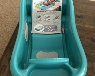 NEW The First Years Sure Comfort Tub