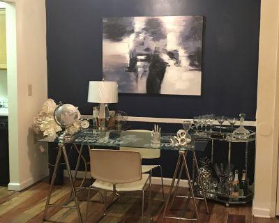 Elegant One Bedroom Apartment Home - DeKalb County