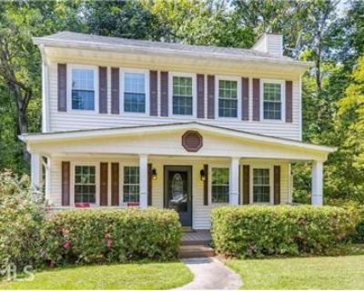 Charming 3/3 in Brookhaven with Brand New Kitchen!