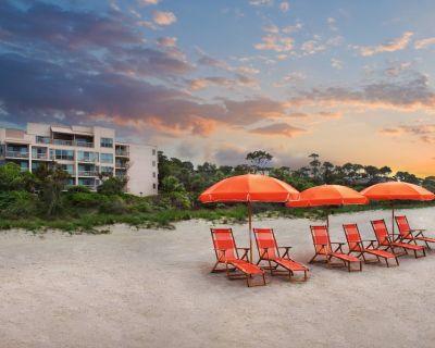2Beachfront Monarch at Sea Pines 2-Bedroom Villa + Amenities - Beach Lagoon