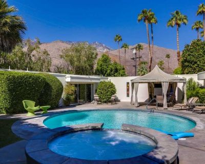 Luxury vacation home w/ private pool, spa, outdoor dining, & gas grill - dogs OK - Twin Palms