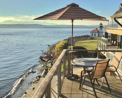 Stunning Waterfront/Beachfront Condo on Alki Beach - Alki