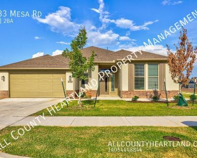 Must See- NEW Home in Red Canyon Ranch!