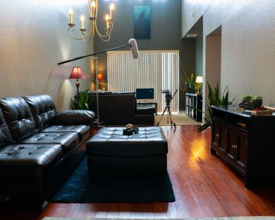 NEW LISTING! Trendy Video/ Photo/ FILM/ Production: Townhome Open Living Room Space, Orlando, FL