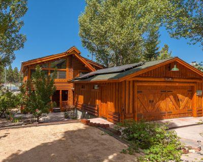 Lakefront/View Log Cabin--Open Flow, Gourmet Kitchen, Expansive Decks & Playfort - Big Bear Lake