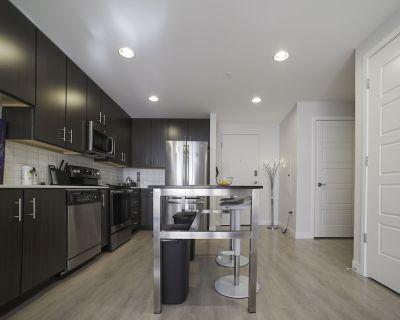 Luxury Corporate Suite - Cole-Noble District