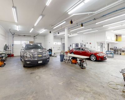 Rare Warehouse Space In Boulder For Sublease