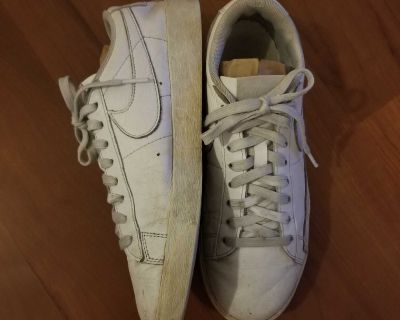 Nike Sweet Classic Leather Sneakers