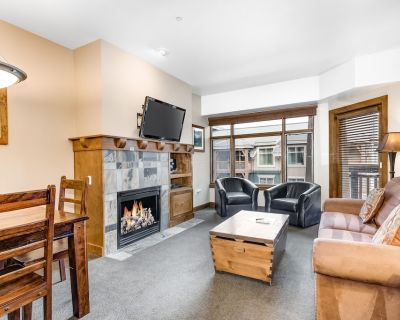 Ski-In/Out Condo w/2 Shared Hot Tubs, Outdoor Pool, High-Speed WiFi, Central A/C - Park City