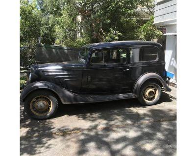 1935 Chevrolet 2-Dr Sedan