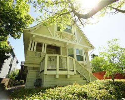 LARGE REMODELED 3BR/2BA  APARTMENT IN DUPLEX HOUSE