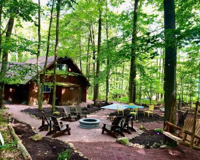 Cozy Chalet Lake House _family and pet friendly - Pocono Pines