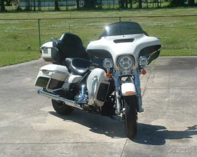 2014 Harley-Davidson� Touring Electra Glide� Ultra Classic�