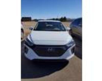 2019 Hyundai Ioniq White, 33K miles