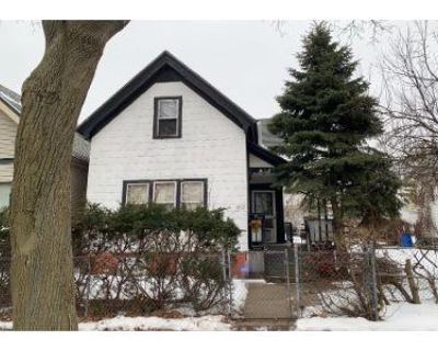 3 Bed 2 Bath Preforeclosure Property in Milwaukee, WI 53204 - W Scott St