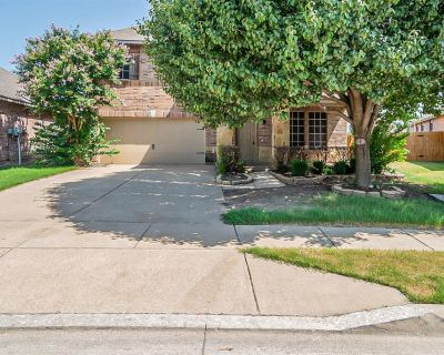 5912 Fantail Dr, Fort Worth, TX 76179