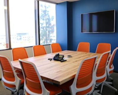 Private Meeting Room for 8 at Pacific Workplaces - Bakersfield