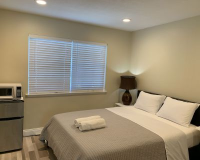 Lovely Room close by Disney/Convention/Honda - Southeast Anaheim
