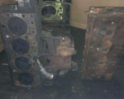 Isuzu 4bd2 Diesel Engine Short Block, Pump, Turbocharger And 2 Heads