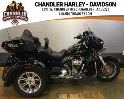Pre-Owned 2017 Harley-Davidson Tri Glide Ultra Classic Trike FLHTCUTG