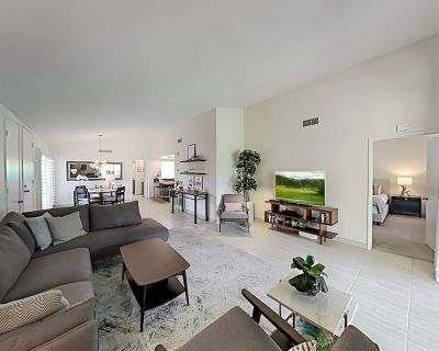Dual-suite Villa at Ironwood Country Club Pool, Hot Tub & Golf-course View - Palm Desert