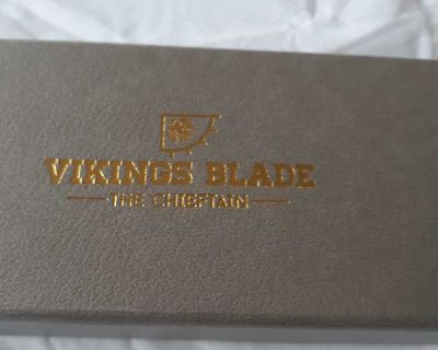 Vikings blade the chieftain