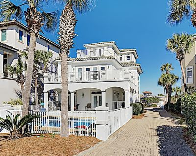 Large Upscale Destin Home with Golf Cart, Beach Service, and Direct Ocean Views - Destiny Grand Palms