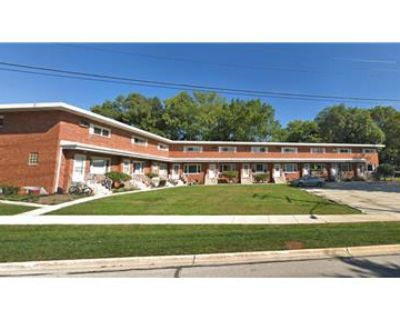 2bd, 1ba TOWNHOUSE - For Rent (Downers Grove)