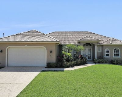 Gorgeous 3/3 Pool Home on Canal w/ Direct Gulf Access. You Will Love Paradise!! - Caloosahatchee