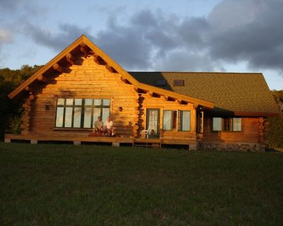 Bellaire Overlook Log Home on private 80 Acres of rolling woods - Bellaire