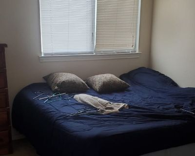 Private room with shared bathroom - Los Lunas , NM 87031