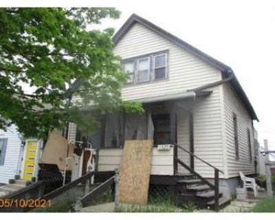 2 Bed 2 Bath Foreclosure Property in South Milwaukee, WI 53172 - Milwaukee Ave