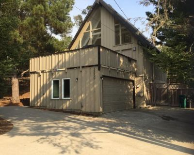 Seaglass Home Vacation Rental - Lodge Hill