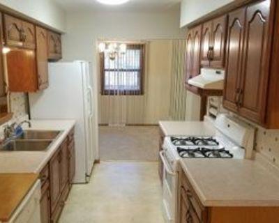 5128 Maplewood Dr, Greendale, WI 53129 3 Bedroom Apartment