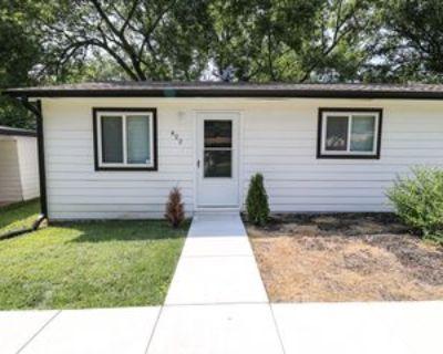 422 W Mahoney Dr #1, Derby, KS 67037 2 Bedroom Apartment