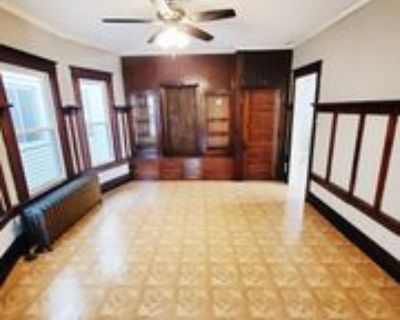 1213 S 72nd St, West Allis, WI 53214 4 Bedroom House