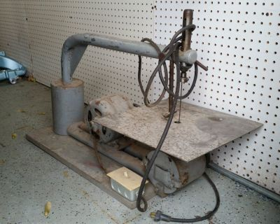 OLD ANTIQUE SCROLL SAW