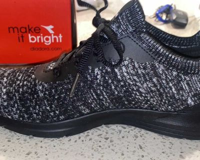 Brand new sneakers size 8