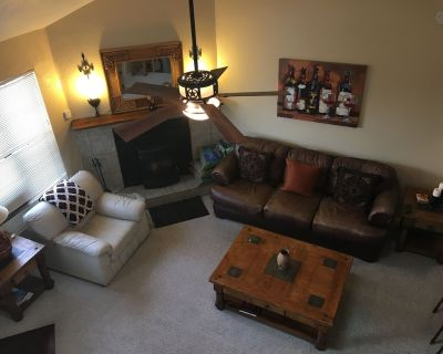 Awesome condo, great location, quiet area, completely updated, with wifi.& AC - Ruidoso
