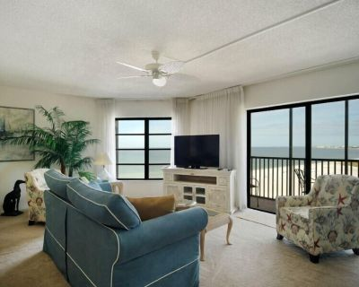 25% OFF 4/18 - 11/12/21! Top Floor Condo at Island Winds - Gulf Sunsets - South Island