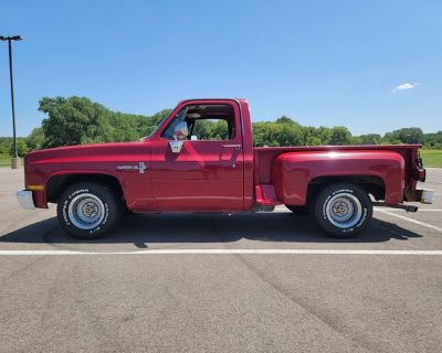 1981 Chevy C10 Short bed step side pickup