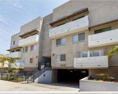 11312 Huston St #12, Los Angeles, CA 91601 4 Bedroom Condo