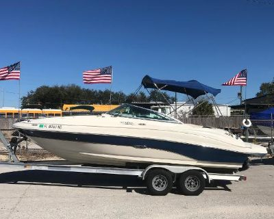 2004 Sea Ray 220 Sundeck