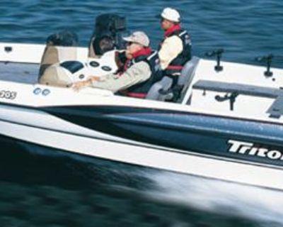 2001 Triton 205
