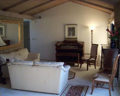 3BD/2BA Single-Family House for Extended Stays * AC, Courtyard & Fenced Backyard - Sunnyvale West