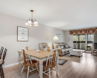 Snowbird-friendly Condo With Shared Pool, High-speed Wifi, W/d, & Central AC! - Iona