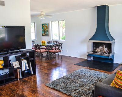 Beach Town Home, Reasonable Rates, 1 Mile from Beautiful Beach in Surf City USA - Huntington Beach