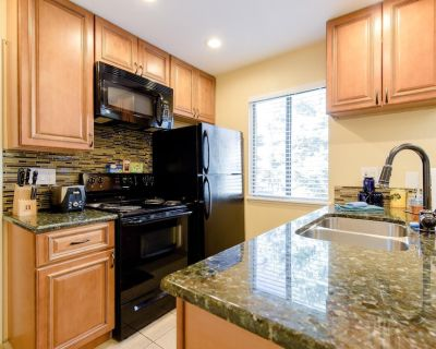 This condominium is a 1 bedroom(s), 1 bathrooms, located in Greenwood Village, CO. - Englewood