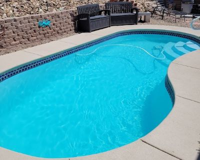 Desert Oasis. Swimming Pool Ready, 3 Bedroom, 2 Bath - Fort Mohave